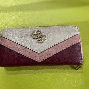 Guess womens purse and wallet set